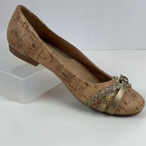 b.o.c. Bamboo Look Decorative Toe Flats Size 8.5